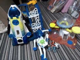 Imaginext space shuttle and figures