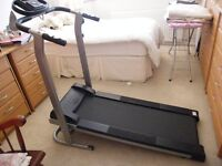 MTM25 running machine self propelled with monitor for pulse, speed, distance, timer,calories