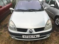 2004 RENAULT CLIO 1.4 VERY GOOD CONDITION DRIVES NICE NO FAULTS MOT TILL JUNE 2019