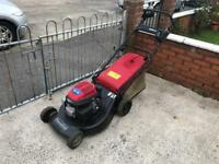 Honda gcv135 self propelled Lawnmower mint