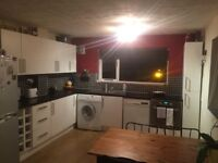 Available in 3 weeks - Immaculate 2 bedroom flat to rent