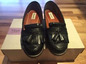 Brand New Dune Shoes (Size 3,5 UK)