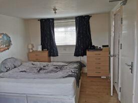 High qulity En-suite double room NEAR STRATFORD WESTFILD SHOPING CENTER