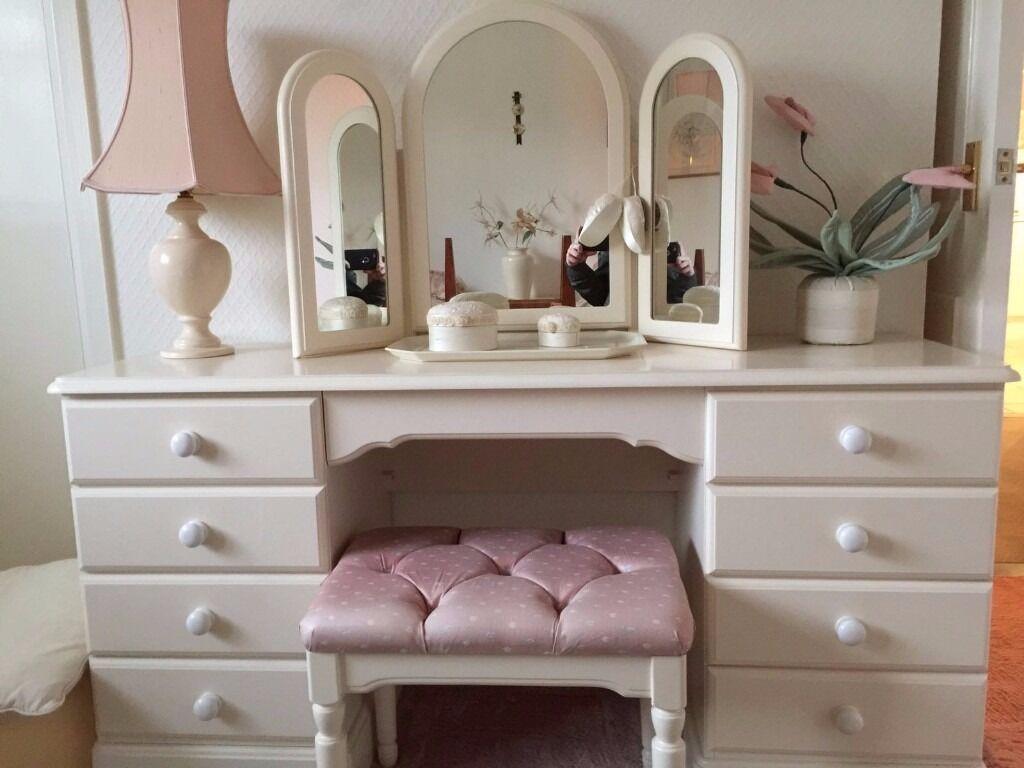 Bedroom Furniture * PRICE REDUCE *