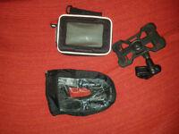GIVI S950 UNIVERSAL WATERPROOF BIKE GPS SAT NAV HOLDER