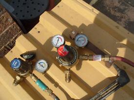 oxy/acetelene torch with 10 metre hoses and gauges/spark arrestors