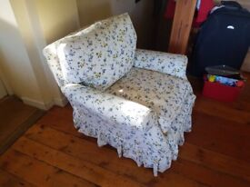 ***FREE*** Comfy Arm chair