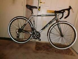 Dawes ( Giro 200 ) aluminium road bike