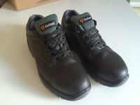 Safety Shoes/Boots - Goliath UL100P NON-metallic (Size UK 9 or EU 43)