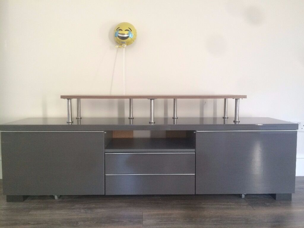 ikea tv unit high gloss grey besta burs excellent condition balloon and tv stand included. Black Bedroom Furniture Sets. Home Design Ideas