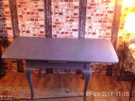 Stunning solid Oak extending dining/occasional table