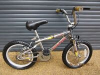 CHILDS MAGNA CHROME BIKE IN EXCELLENT CONDITION.. (SUIT APPROX. AGE. 4 / 5+)