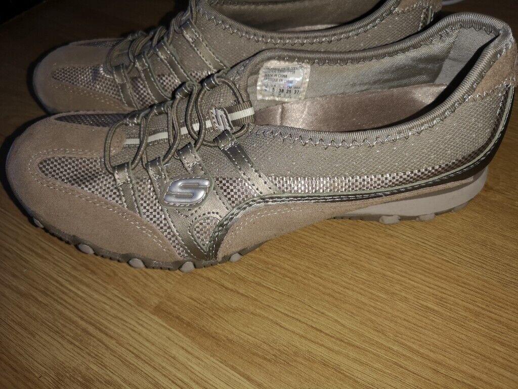 Skechers size 5  6d4c84ac1