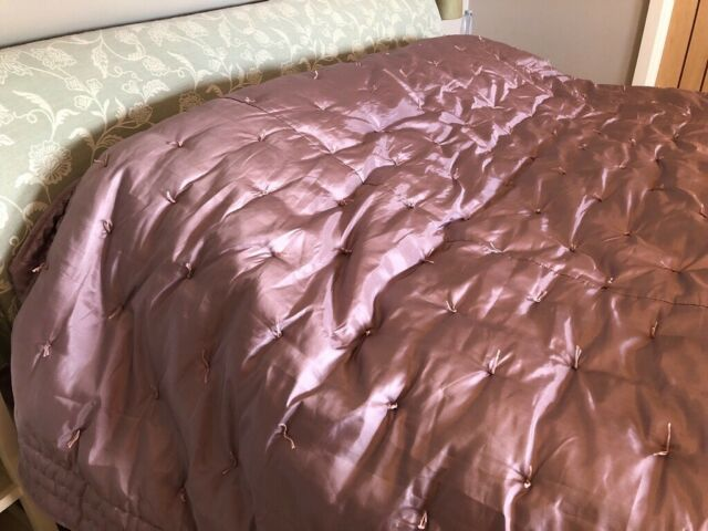 Laura Ashley Satin Quilted Bedspread King Super Size