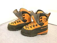 Salomon Pro Thermic B3 Mountaineering Boots Size 8