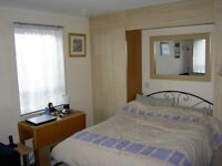 1 bed FLAT Sittingbourne part-furnished excellent condition/equipped
