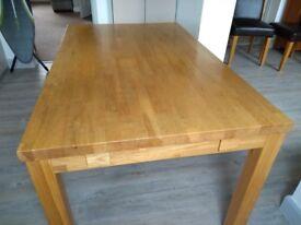 Oak dining table (seats 4-6)