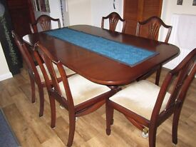 Extendable Mahogany Dining Table & 6 Chairs