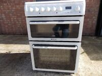 Hotpoint electric cooker 60cm with double oven and glass top.
