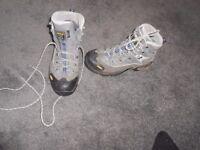 Hiking/Walking Boots