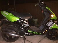 PEUGEOT SPEEDFIGHT 2 very sporty scooter and fast, new mot , full logbook,excellent for work,