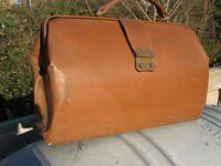 Leather Gladstone Bag.