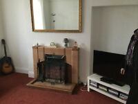 Spacious first floor flat,close to Bangor town centre and transport links,furnished or unfurnished