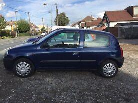 Blue Renault Clio X Reg