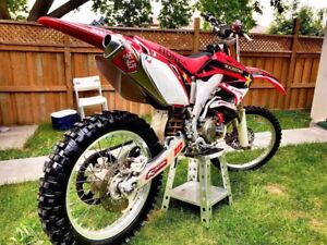2004 CRF 450    COMES WITH OWNERSHIP