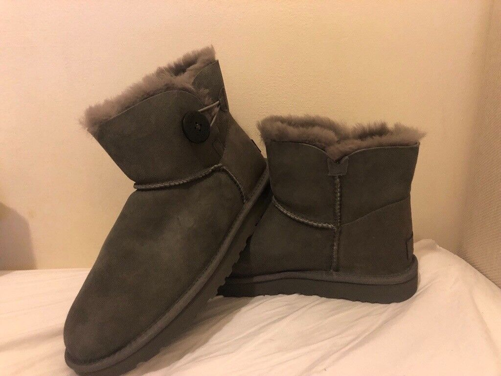 Brand New Ugg Boots Size 6   in Aylesbury, Buckinghamshire   Gumtree