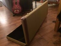 VERY STURDY Bass Guitar Case with Tweed Finish
