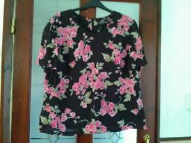 Size 18 ladies top