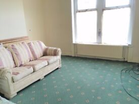 3 Bedroom Flat to Rent In Lidget Green area