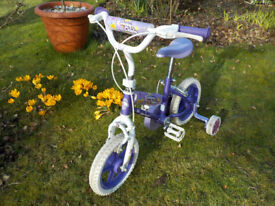 Girl's Daisy Chain Bicycle with Stabilisers and Cinderella Bell