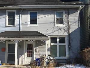 STUDENTS: CHARMING 4 BED w/LOTS OF CHARM! 103 York St