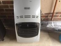 Delonghi portable gas fire excellent condition hardly used