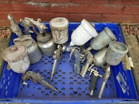 GARAGE CLEAR OUT SPRAYGUNS FOR SALE.