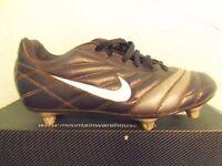 'Nike' football boots