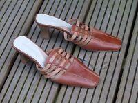 Ladies Caravelle 'flex' open back leather shoes / sandals size 6