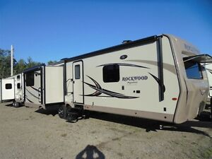 2017 Rockwood Signature Ultra Lite 8329 SS *YEAR END CLEARANCE!!