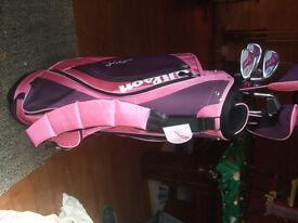 New Ladies Wilson Shape Golf Bag & Clubs
