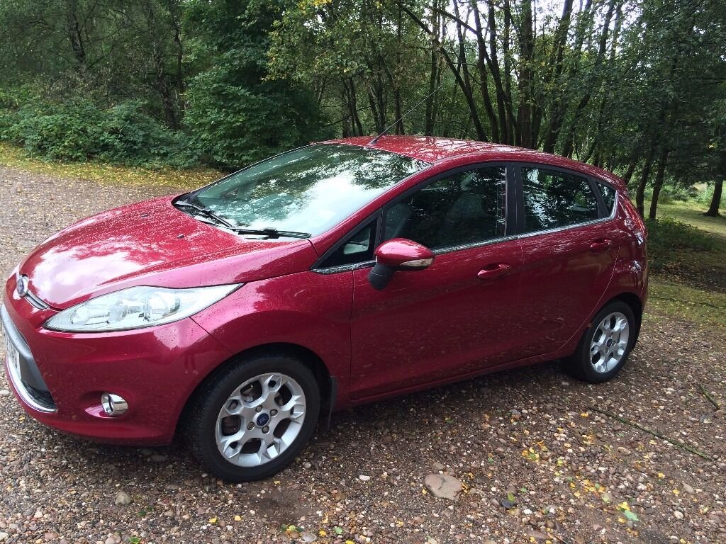 ford fiesta 1 2 zetec petrol magenta colour in sutton coldfield west midlands gumtree. Black Bedroom Furniture Sets. Home Design Ideas