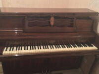 Wurlitzer Piano 2860 walnut finish good condition