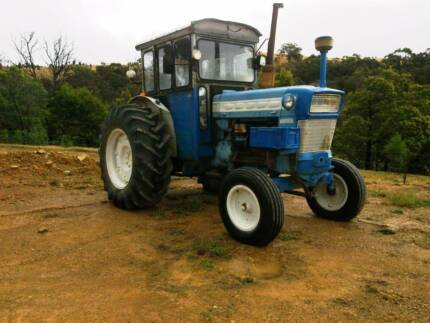 TRACTOR, FORD 5000