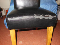 6 DINNING CHAIRS,BLACK WITH WOODEN LEGS
