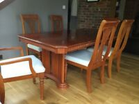 BEAUTIFUL YEW WOOD EXTENDING DINNING TABLE