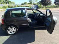 Renault clio sport 1.2 16v black 2 owners from new.