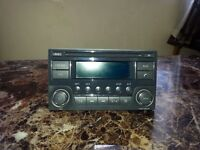 USED 2ND HAND CAR PARTS 2013/14 NISSAN QASHQAI +2 RADIO CD PLAYER IN GOOD WORKING ORDER