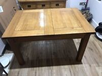 Solid Oak Dining Table seats 6 with 2 additional leaves perfect for Christmas entertaining