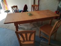 Pine extendable table with 4 x chairs